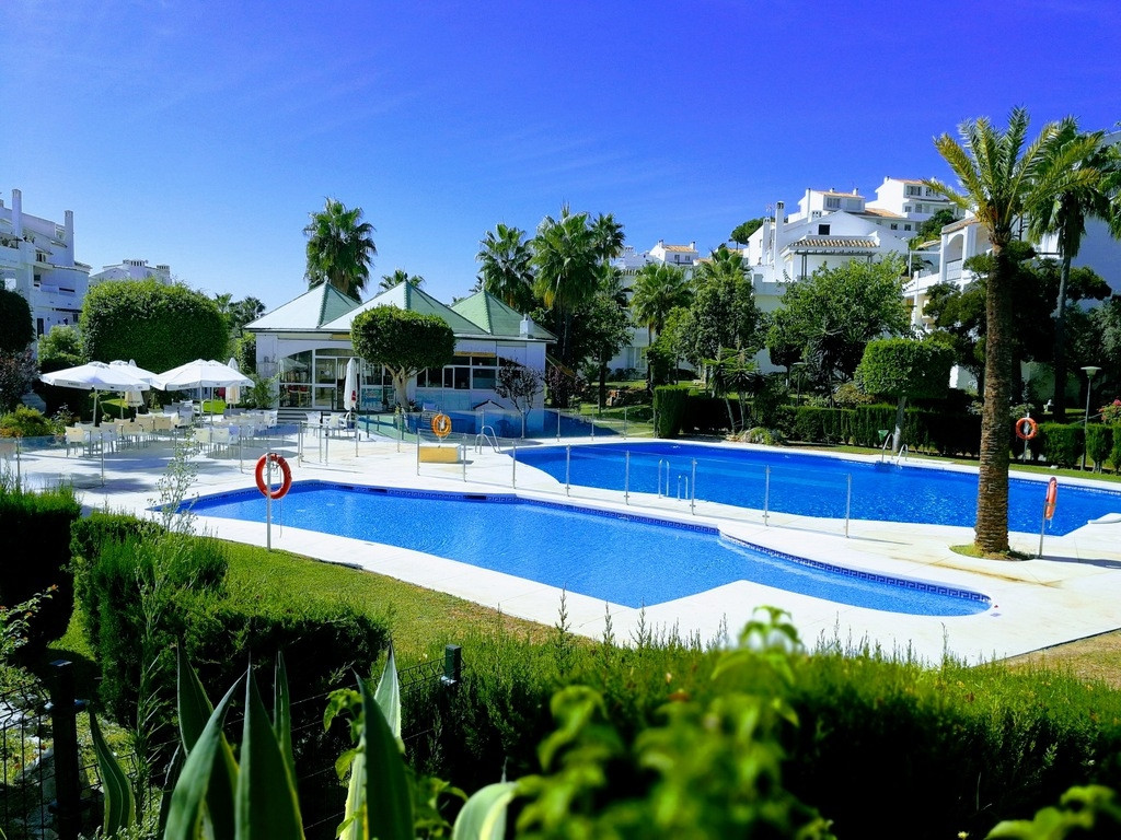 Set in a large complex with large green areas, 3 pools , 3 minutes drive from services , ideal for f, Spain