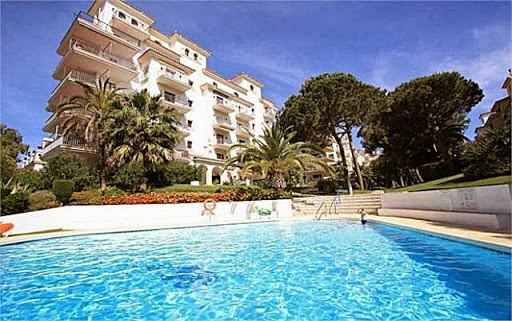 - 2 BEDROOM APARTMENT IN COMPLEX CLOSE TO 200 MTRS. OF THE BEACH -  Very interesting corner apartmen,Spain