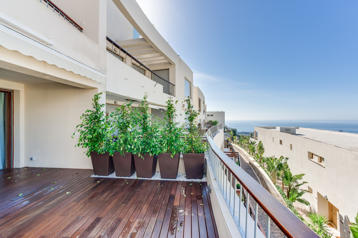 "Modern apartment situated in complex ""Lomas de los Monteros"" in Marbella. For shared use: , Spain"