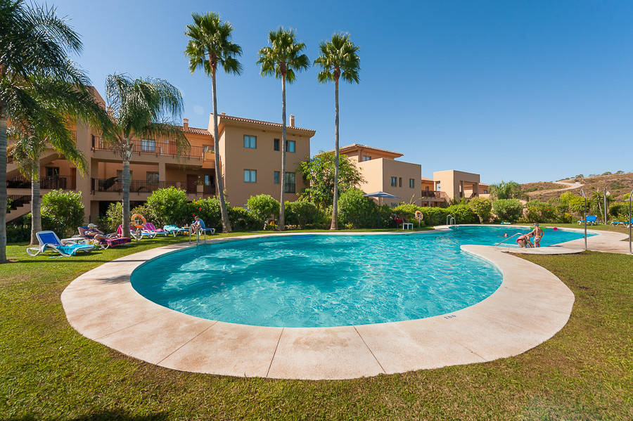Located within a private community with a 9-hole golf course, this development La Resina Golf is loc,Spain