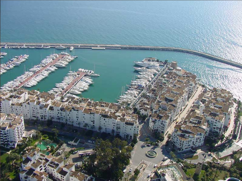Parking for sale in the heart of Puerto Banus in a commercial area. The building comprises offices, , Spain