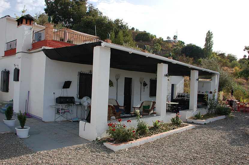 This is a great opportunity to acquire a ready-made guest house in a beautiful location near to Coin, Spain