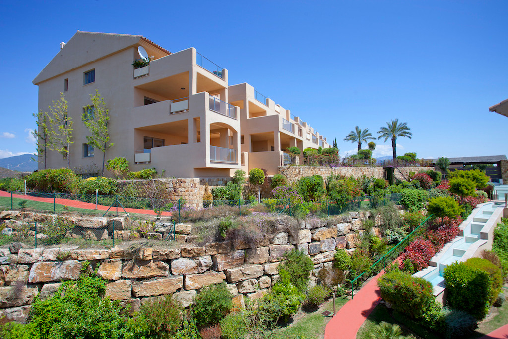 Apartment of 156 m2 in new constructed urbanization near the Golf Course of Estepona. The apartment ,Spain