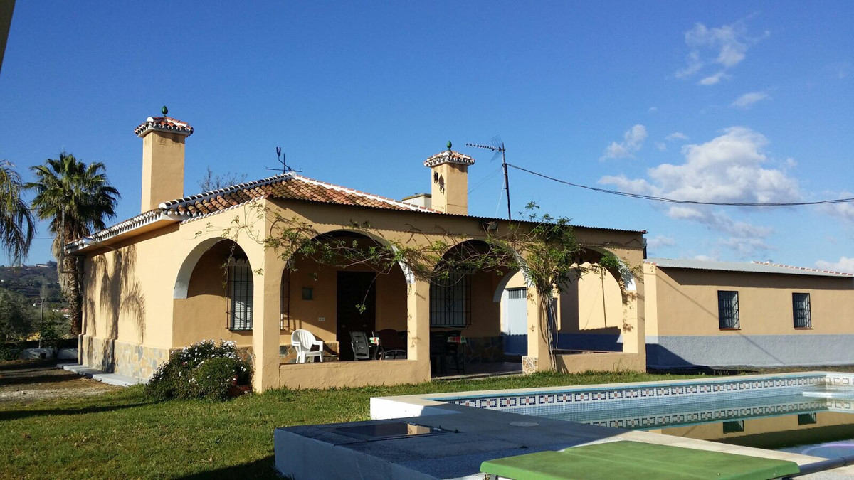 INVESTMENT OPPORTUNITY The Finca with a land of 12. 500m2, has a very private house built of 120m2, ,Spain