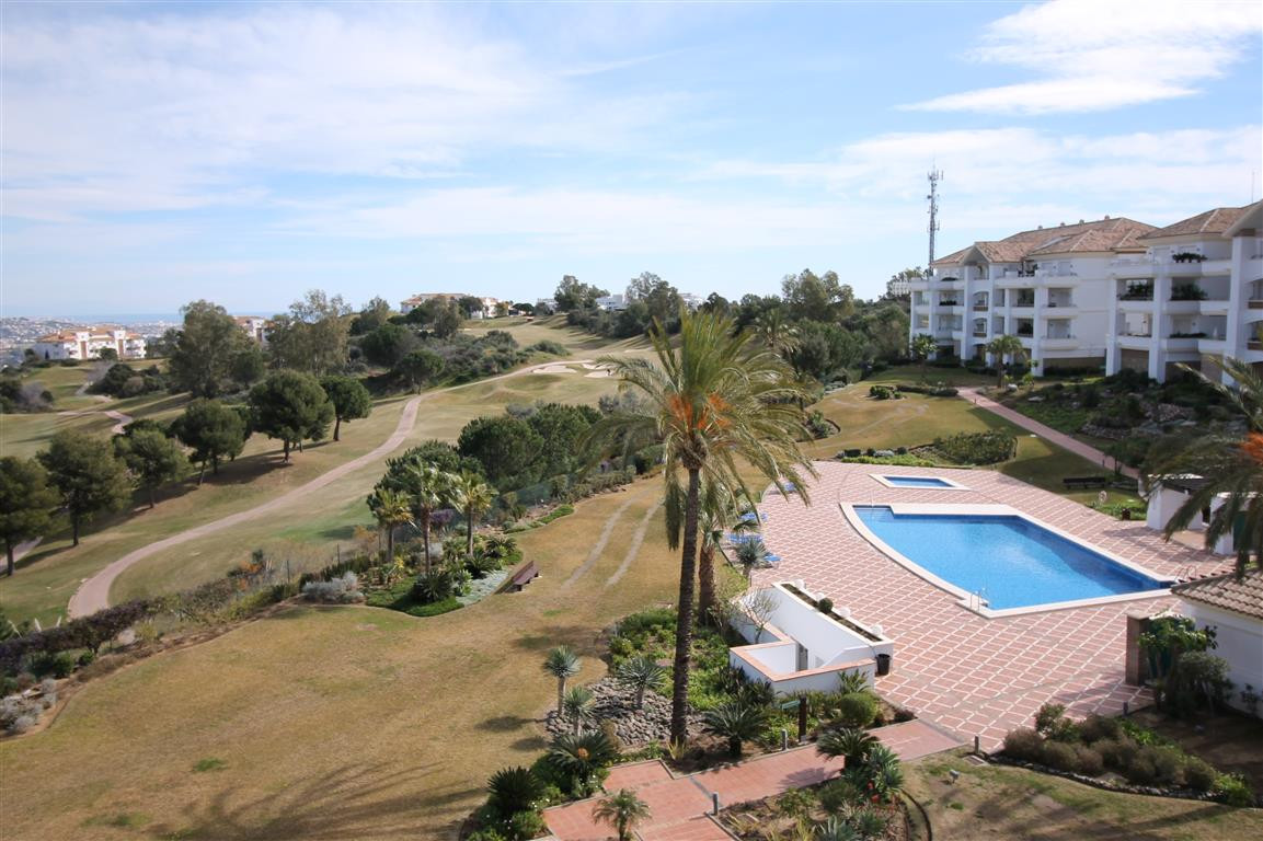 Amazing single level penthouse located in one of Europe's premier golf resorts. This stunning ex,Spain