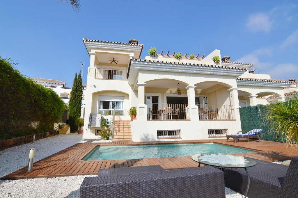Estepona, Selwo area. A fantastic semi detached modern house in immaculate condition between the gla,Spain