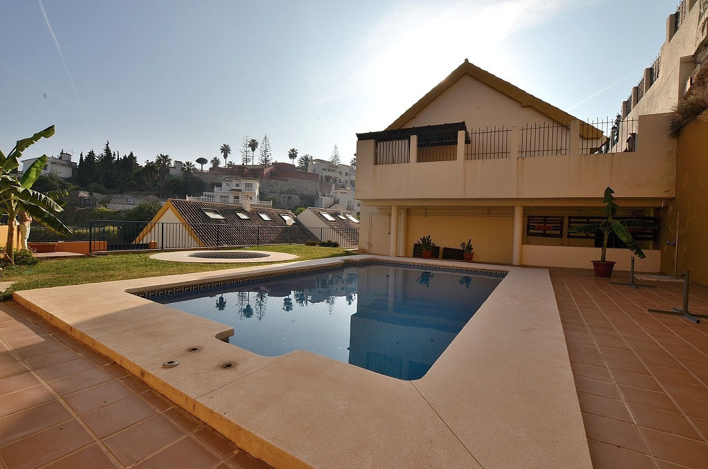 FANTASTIC TOWNHOUSE located in the upper area of Torreblanca (Fuengirola). South facing property wit,Spain