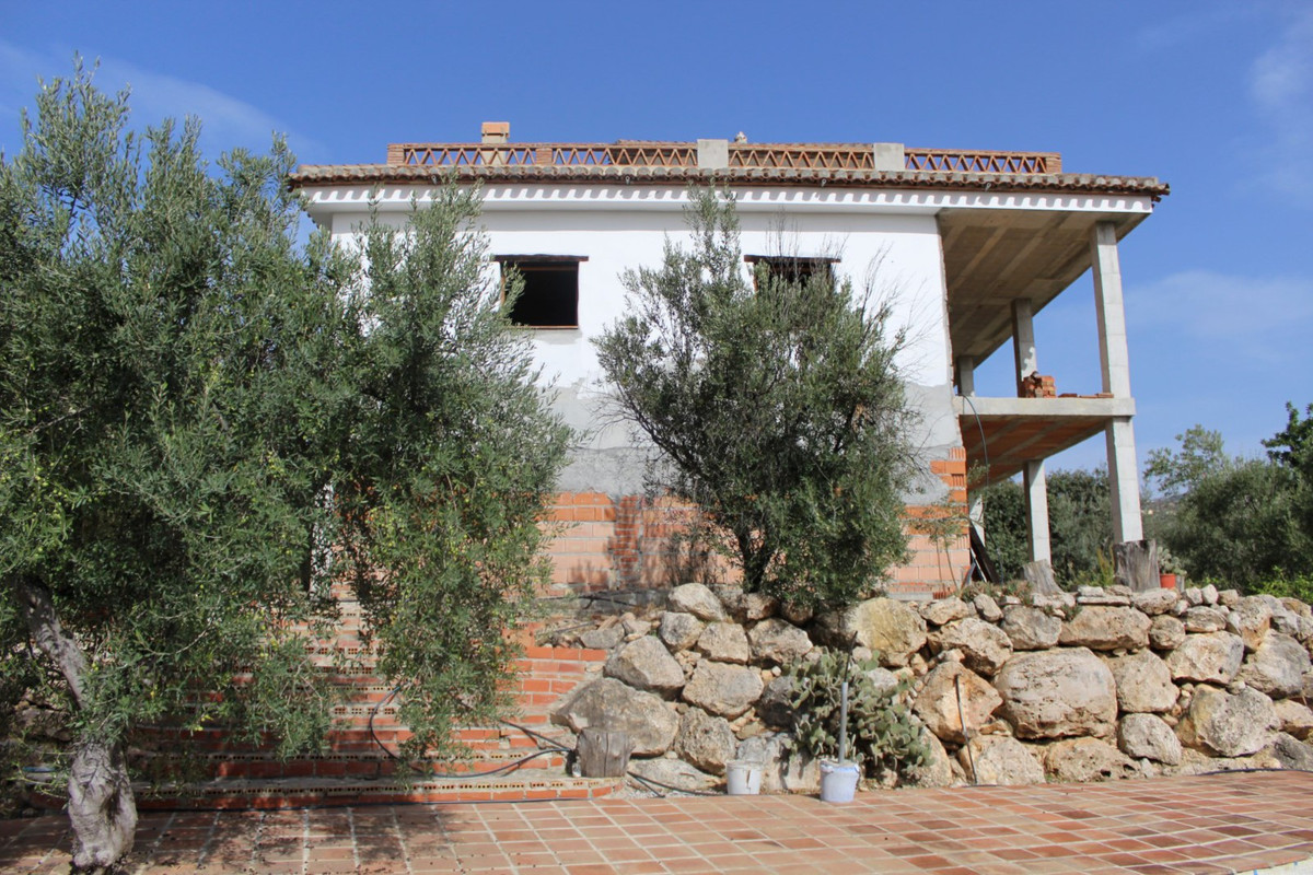 Beautiful flat terrain with panoramic views of mountains, sea, Lake of vinuela and the garden with a,Spain
