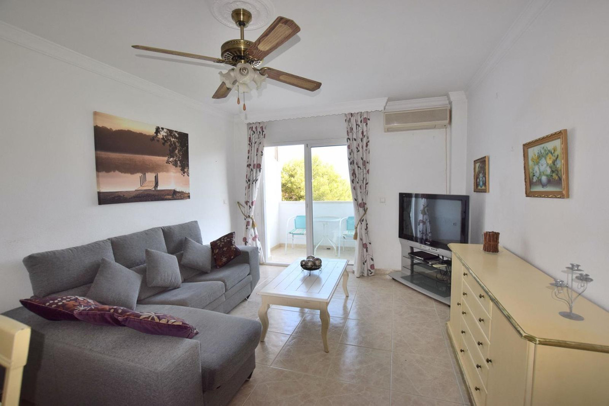 Community fees: 56 €/month IBI: 250 €/year  Great 3 bedroom apartment for sale in Los Boliches, Fuen, Spain