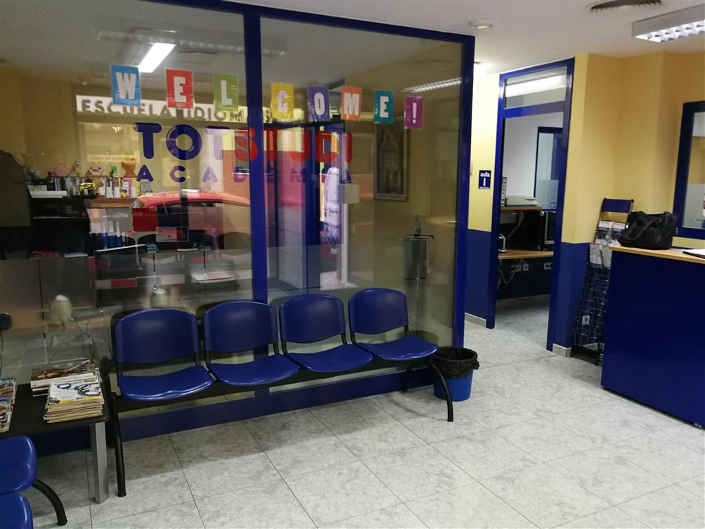 Local 240 m2 currently teaching academy but also suitable for offices and a part can be enabled as a,Spain
