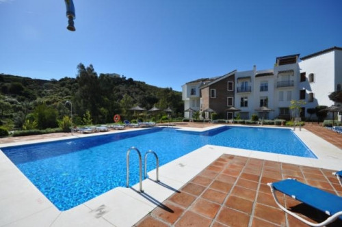 A beautiful 3 bedroom, ground floor apartment, situated in the sought after location of Los Eucalipt,Spain