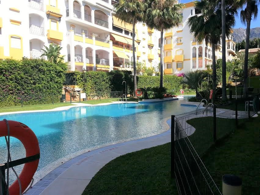 3 bedroom ground floor apartment situated in a gated complex that has a great location in La Milla d,Spain