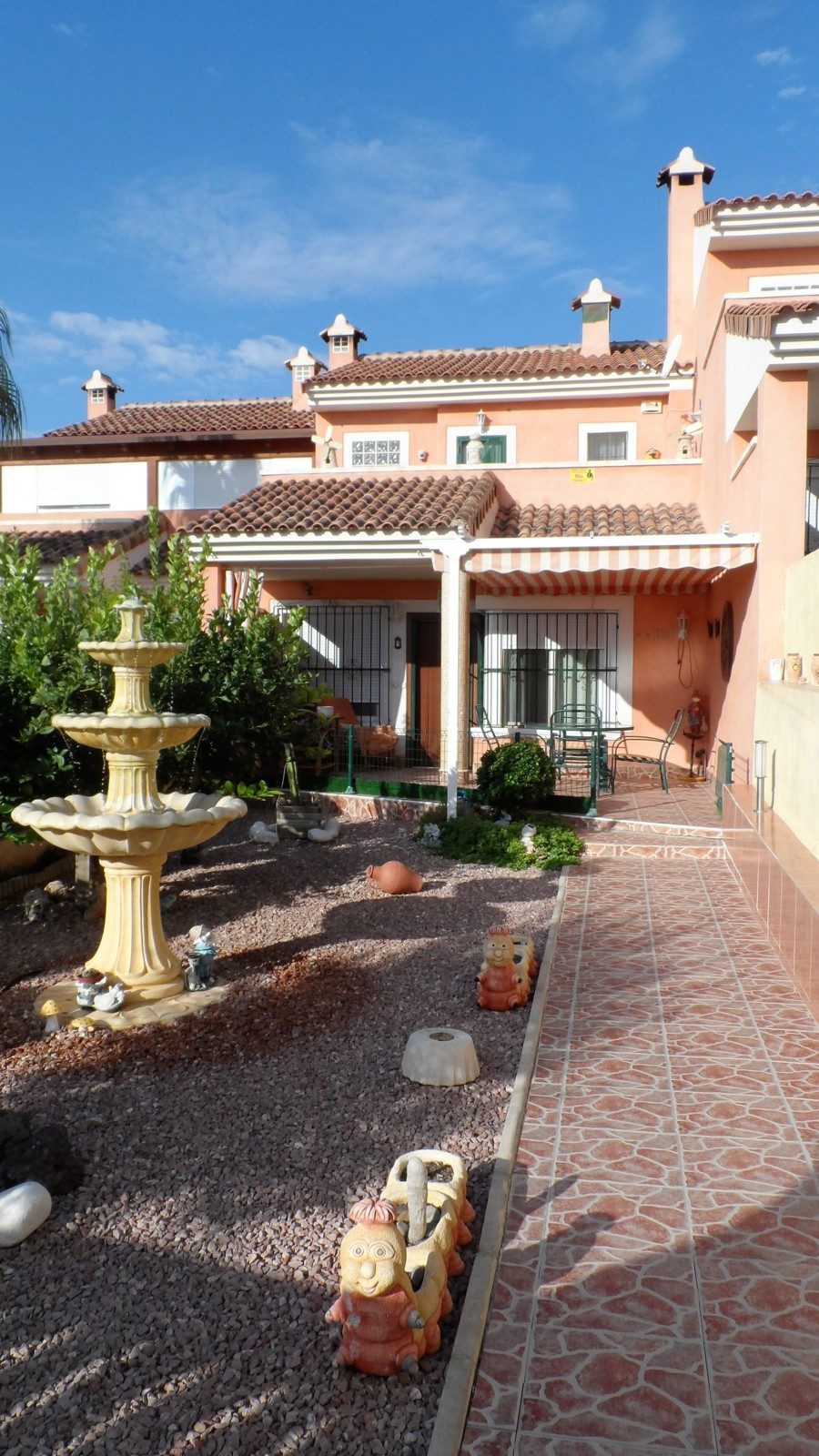 Enjoy the peaceful silence and stunning sea views from this modern townhouse close to the sea and cl,Spain