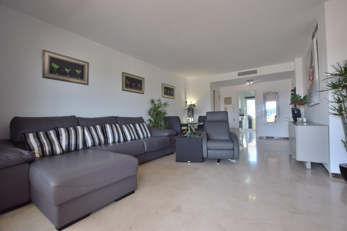 Immaculate property located in Mijas Golf, must be viewed to fully appreciate! Spacious 2 bedroom ap, Spain