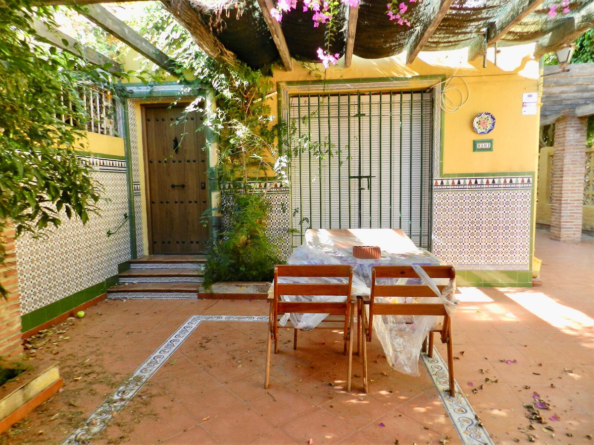 Beautiful independant house located in Cala del Moral, a few minutes walk from the beach and the pro,Spain