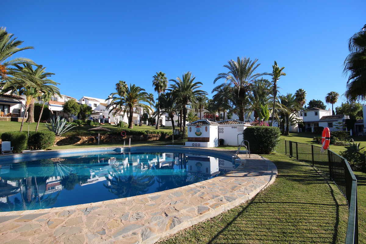 Private and discreet cozy townhouse just behind Rio Real, with a private garden/patio at the entranc,Spain