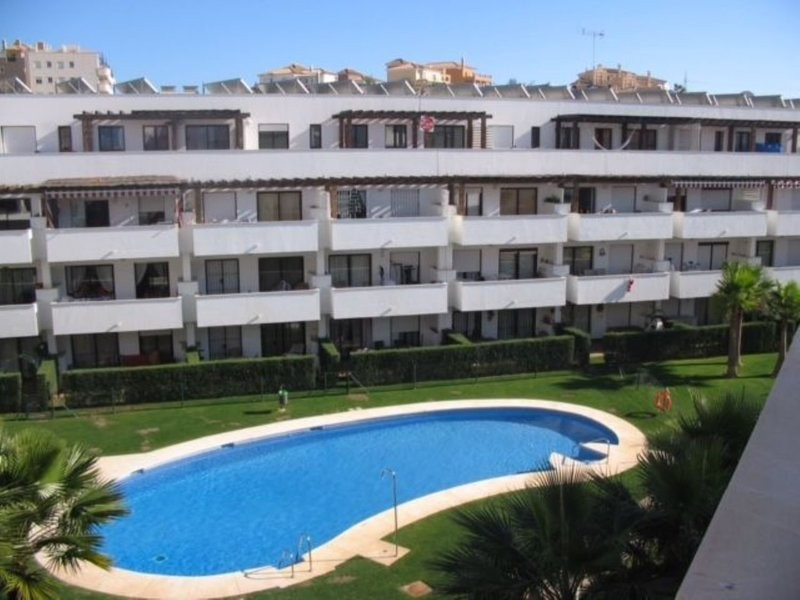 You can enjoy a quiet and familiar atmosphere in one of the best urbanizations in the center of Rivi,Spain