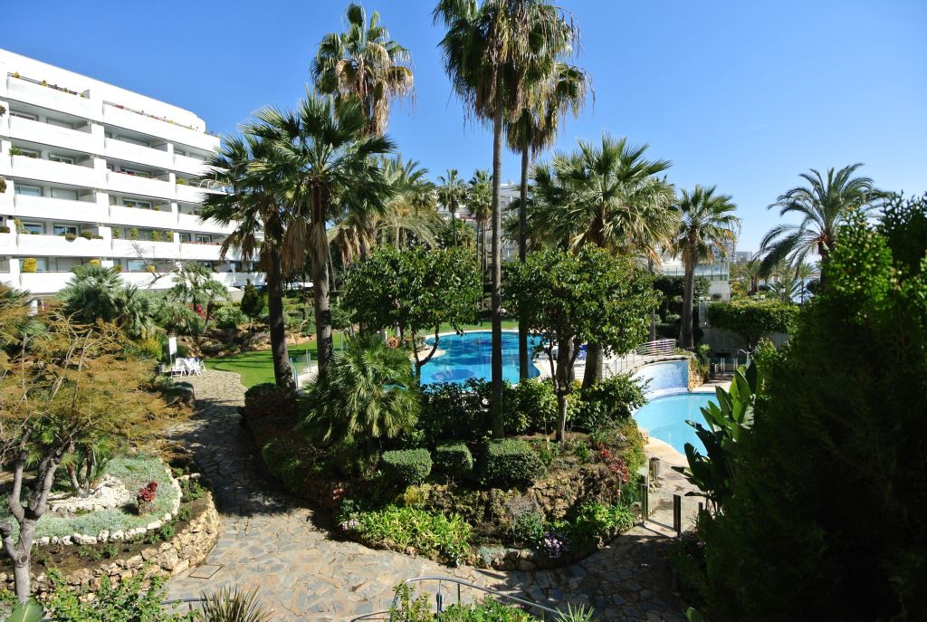 Beautiful apartment in one of the most sought after residential developments on Marbella's Golde, Spain
