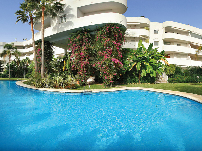 Lovely Duplex-Penthouse situated in a central area on the Golden Mile. The complex is fully gated wi,Spain