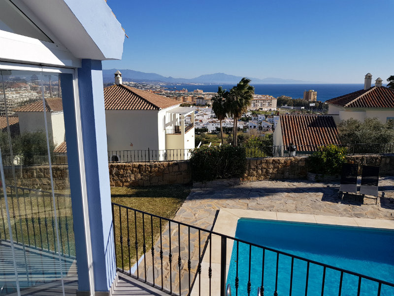 Absolutely stunning villa in Duquesa with panoramic views of the Mediterranean coastline and within , Spain