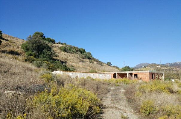 GREAT AND LARGE PLOT - THE START TO START  - An animal shelter - An animal hotel - A Horse Stay - A ,Spain
