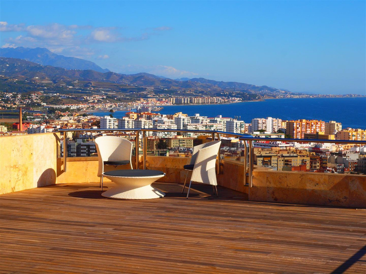 Beautiful penthouse with panoramic views to the sea and the mountains in Torre del Mar. Close to the, Spain