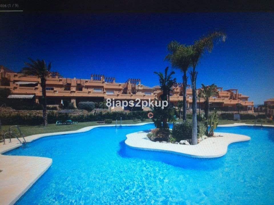 Townhouse, Estepona, Costa del Sol. 3 Bedrooms, 3 Bathrooms, Built 220 m², Terrace 60 m².  Setting :,Spain