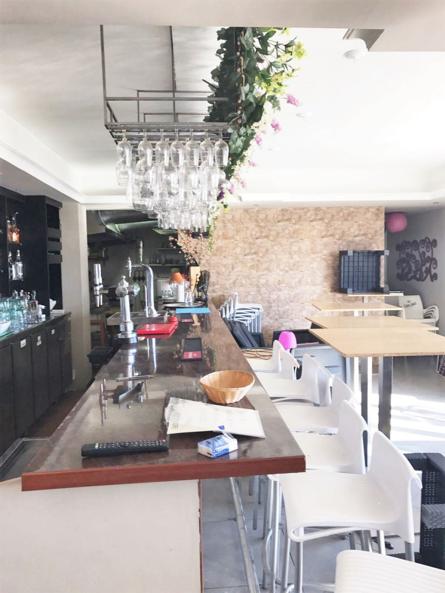 Bar / restaurant for sale in Marbella Centre, tis property was renovated only 2 years ago and due to Spain