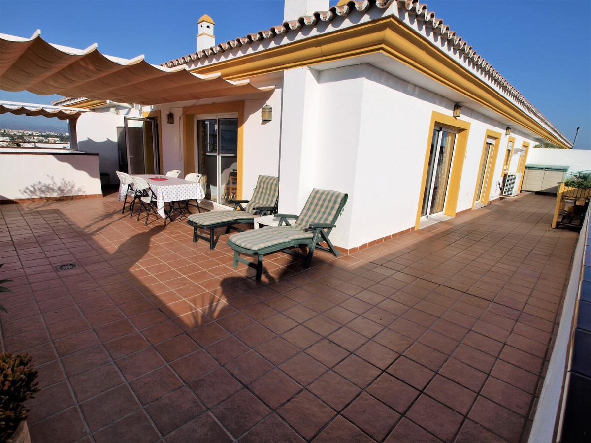 Magnificent penthouse next to the new boulevard in San Pedro Alcantara center, Marbella. It is a pro, Spain