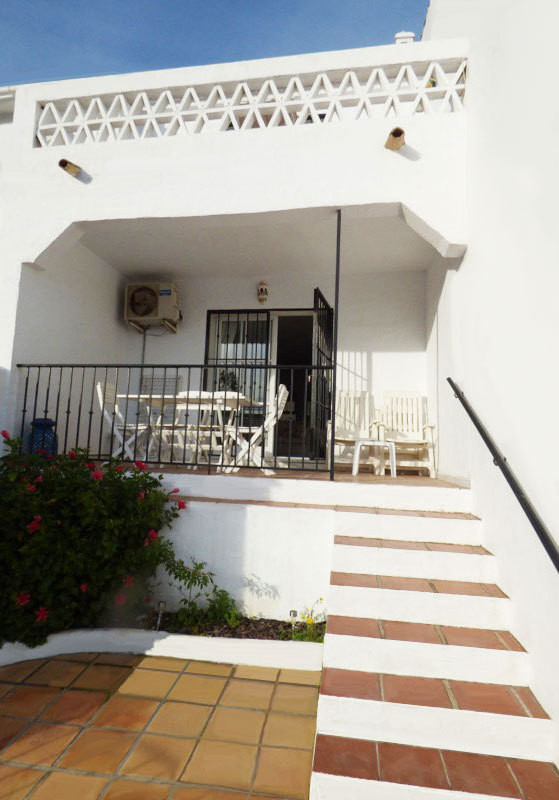 Charming townhouse located in Benalmadena Costa very closed to the sea and the beaches. The house is,Spain