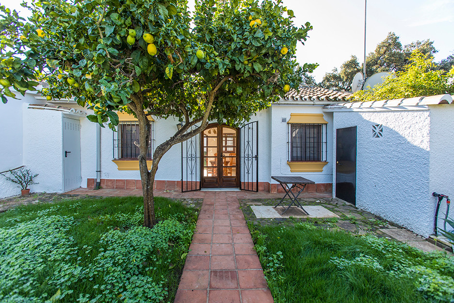 Cosy townhouse in the centre of Elviria – Marbella. The community is located just beside the town ha,Spain