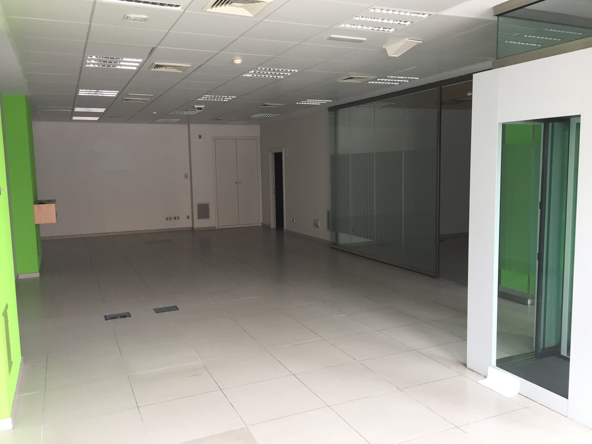 Commercial Premises, Fuengirola, Costa del Sol. Built 170 m2  Setting : Town, Commercial Area, Close, Spain