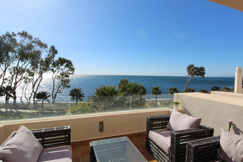 STUNNING FRONT LINE BEACH APARTMENT WITH AMAZING VIEWS OF THE MEDITERANEAN   THIS STUNNING, VERY RAR,Spain