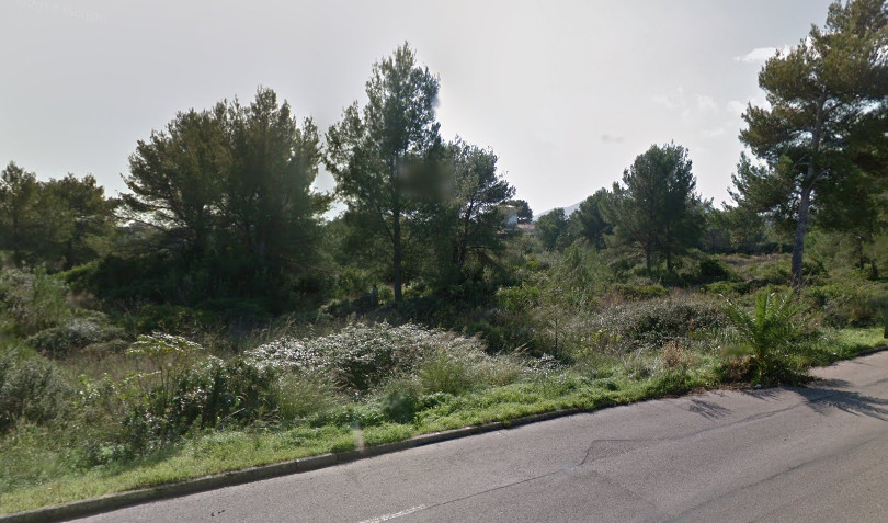 24.000m2 plot in the lovely area of Barcares, only 100 metres from the beach, where a 500m2 house ca, Spain