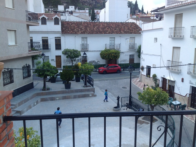 House located in the center of Monda, with 360 m2, ideal investment for rural hotel or restaurant. I,Spain