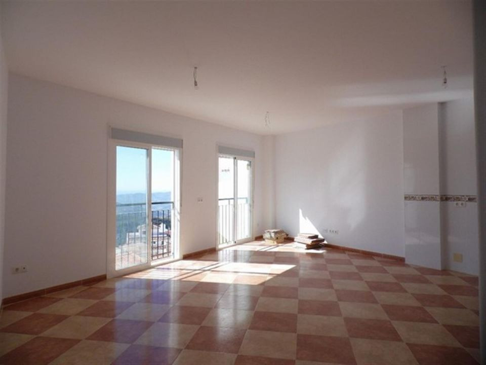 Nice apartment with panoramic views of the sea and the mountains CANILLAS de aceituno. The House has, Spain