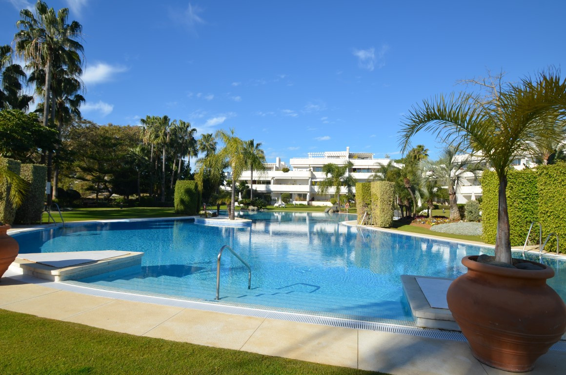 FIRST LINE GOLF apartment  next to the prestigious golf club Las Brisas.The property is located in a, Spain