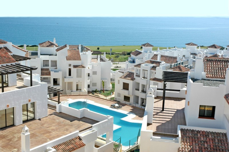 Motivated Seller!, reduced by €30,000! A rare opportunity to acquire a luxury beachside Golf/Beach 2,Spain