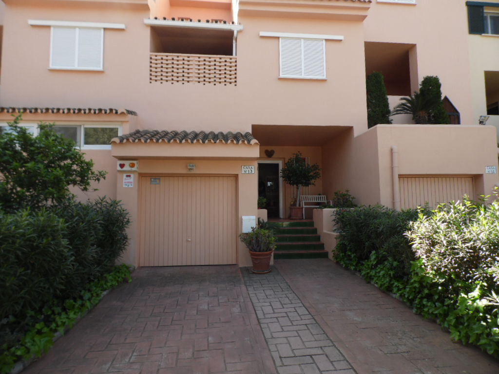 ************RESERVED************** A very nice and Large 3 bedroom ground floor apartment in Sotogra, Spain