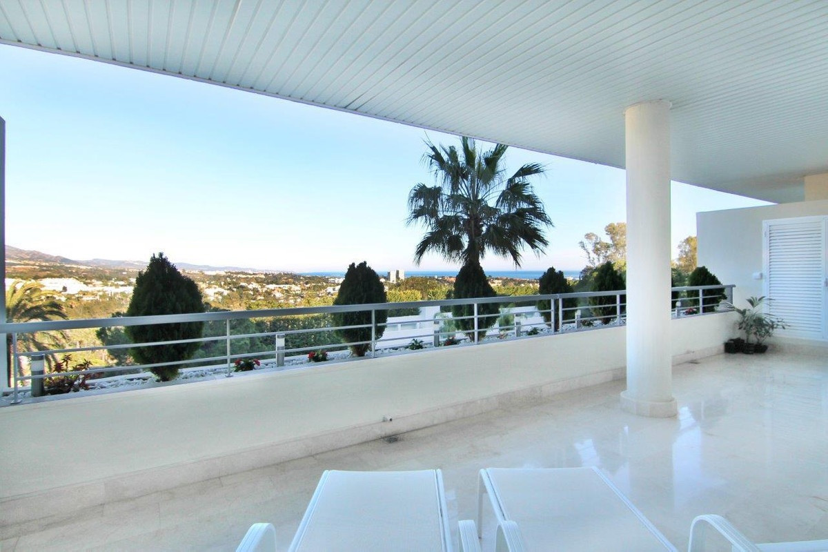 Exceptional recently renovated apartment with incredible panormaic views to the sea, mountains and t, Spain