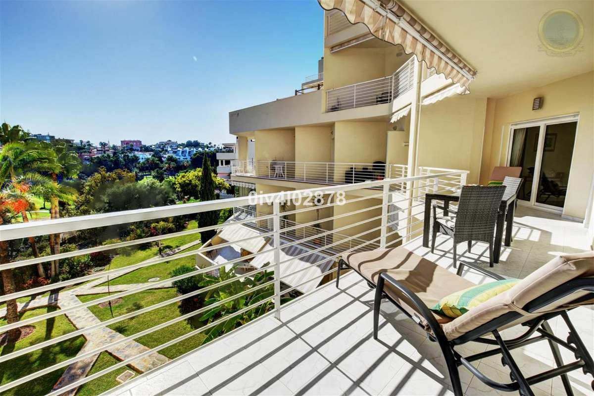 Very well presented spacious and bright 2 bed 2 bath apartment, located in one of the most prestigio,Spain
