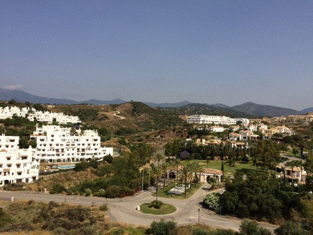 · 3bedroom apartment in Selwo Estepona - 2 bathroom - fire place - parking - barbacoa - parking spac, Spain