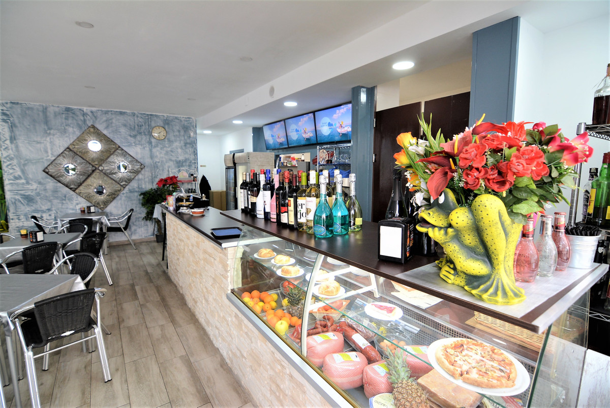 Restaurant  leasehold in downtown Fuengirola, lots of walking pass. Unbeatable area, the place is on, Spain