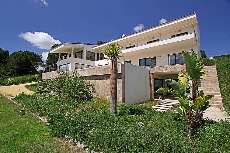 Detached Villa, Sotogrande, Costa del Sol. 5 Bedrooms, 7 Bathrooms, Built 1194 m�, Terrace 70 m�, Ga,Spain