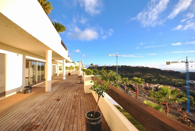 A spectacular south facing 3 bedroom apartment in La Azalia, a stunning development of apartments an,Spain