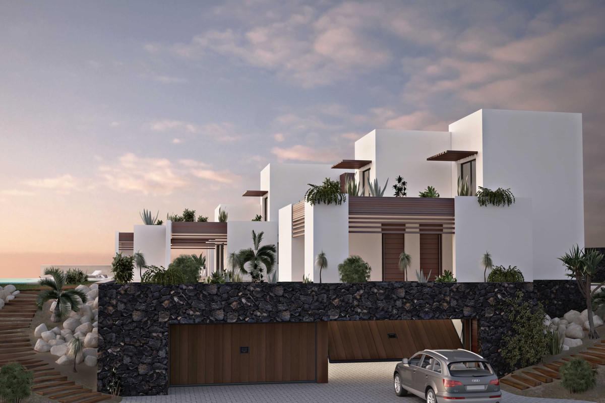 VILLA OF MINIMALIST STYLE IN EXCLUSIVE LOCATION! Ultra-contemporary luxury villa. BRAND NEW VILLA. 2, Spain