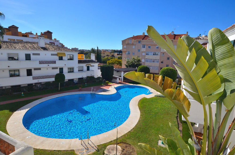 GROUND FLOOR APARTMENT WITH LARGE TERRACE OF 30 M2 Apartment located in Benalmadena Costa, in the re,Spain