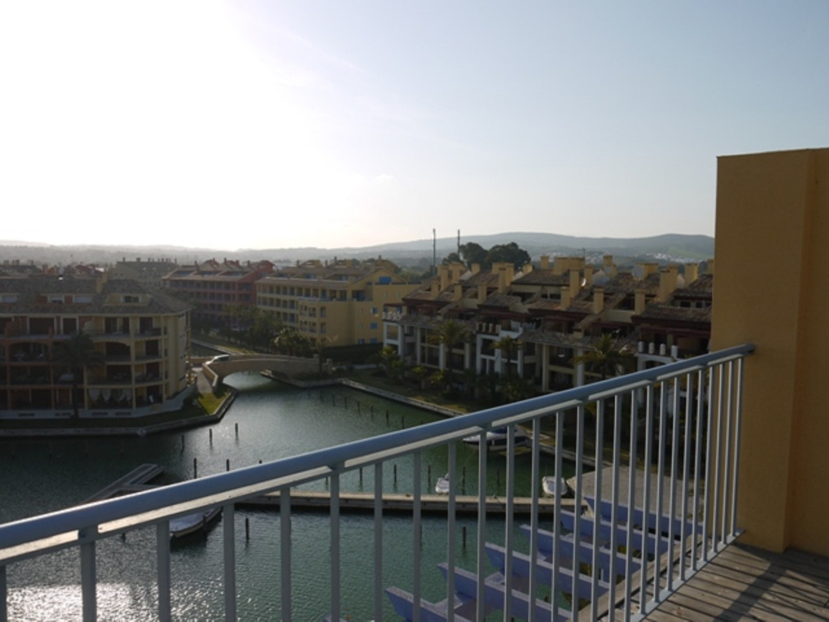 Magnificent penthouse of 300 m² built with 99 m² of terrace plus 90 m² of solarium, with private poo,Spain