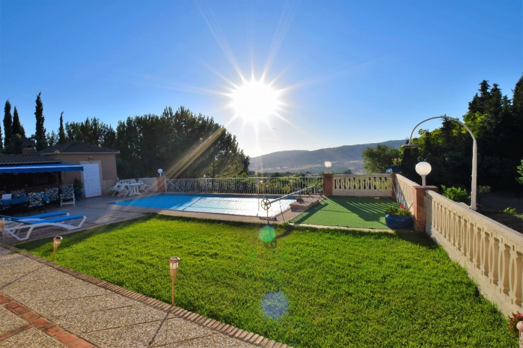 Finca with fantastic views with great road access and only 3 minutes from Ronda, ideal as a large fa, Spain