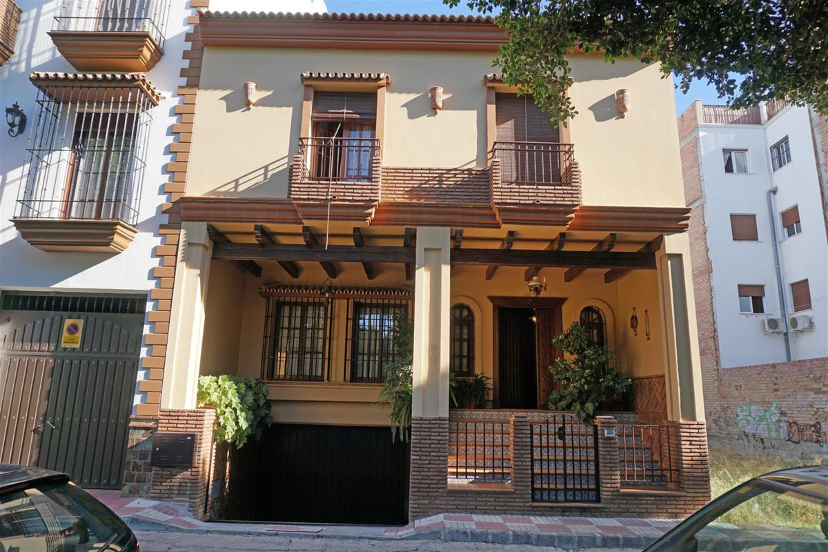 Stunning unique townhouse in the heart of Alhaurin el Grande. The property has been built to the hig,Spain